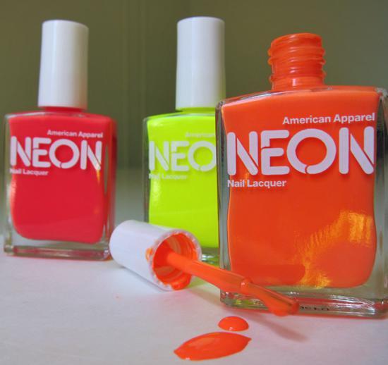Favorito Decorazione unghie: largo ai colori neon e fluo! | Look, make-up  ZY58